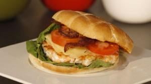 burger-royal-de-lieu-noir-et-saumon