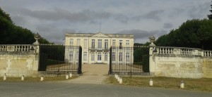 chateau_Bouges_1